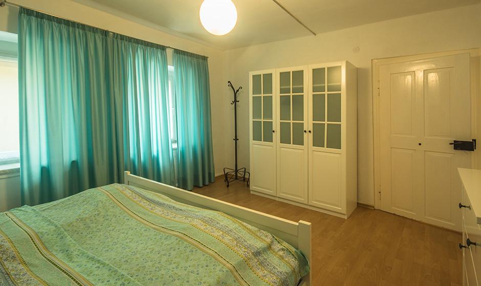 - Schlafzimmer